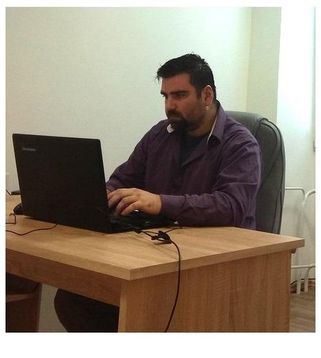 CEO Leopold Bezecny (co-founder)